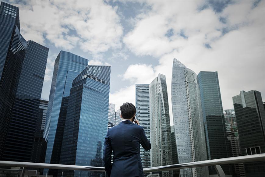 語学教育を柱にする立国戦略が、アジア一の金融センターを生んだ